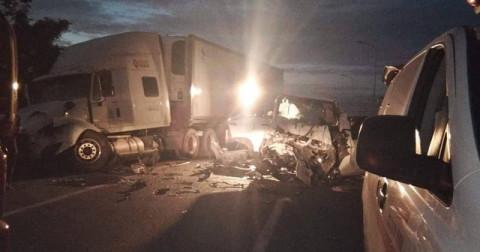 Xe đón dâu gặp tai nạn - Chú rể và 12 người tử vong!