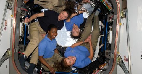 Phụ nữ trong không gian: Những người đầu tiên và những kỷ lục