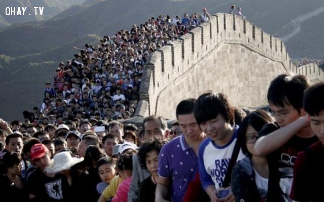 Vạn Lý Trường Thành là điểm tham quan nổi tiếng và đông khách nhất Trung Quốc, với hàng chục triệu lượt khách mỗi năm.,vạn lý trường thành,sự thật thú vị,có thể bạn chưa biết,trung quốc