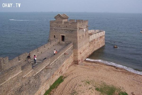 Vạn Lý Trường Thành hiện đang là 1 trong 7 kỳ quan thế giới mới. Bức tường thành trở thành Di sản thế giới của UNESCO năm 1987.,vạn lý trường thành,sự thật thú vị,có thể bạn chưa biết,trung quốc