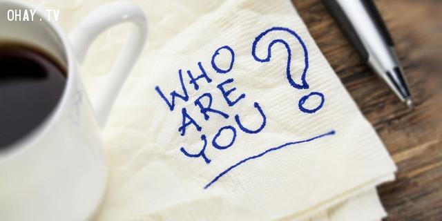 Những gì bạn sở hữu không nói lên bạn là ai.  ,sự thật cuộc sống