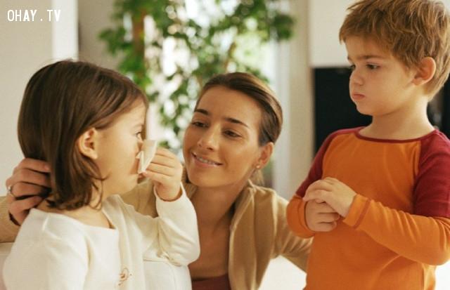 4. Giải Thích Tại Sao Xin Lỗi Lại Quan Trọng  ,cách dạy con,nói lời xin lỗi