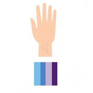 Màu xanh dương hoặc màu tím.