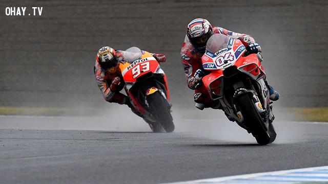 Xe đua tại MotoGP nhanh khủng khiếp đến mức độ nào?